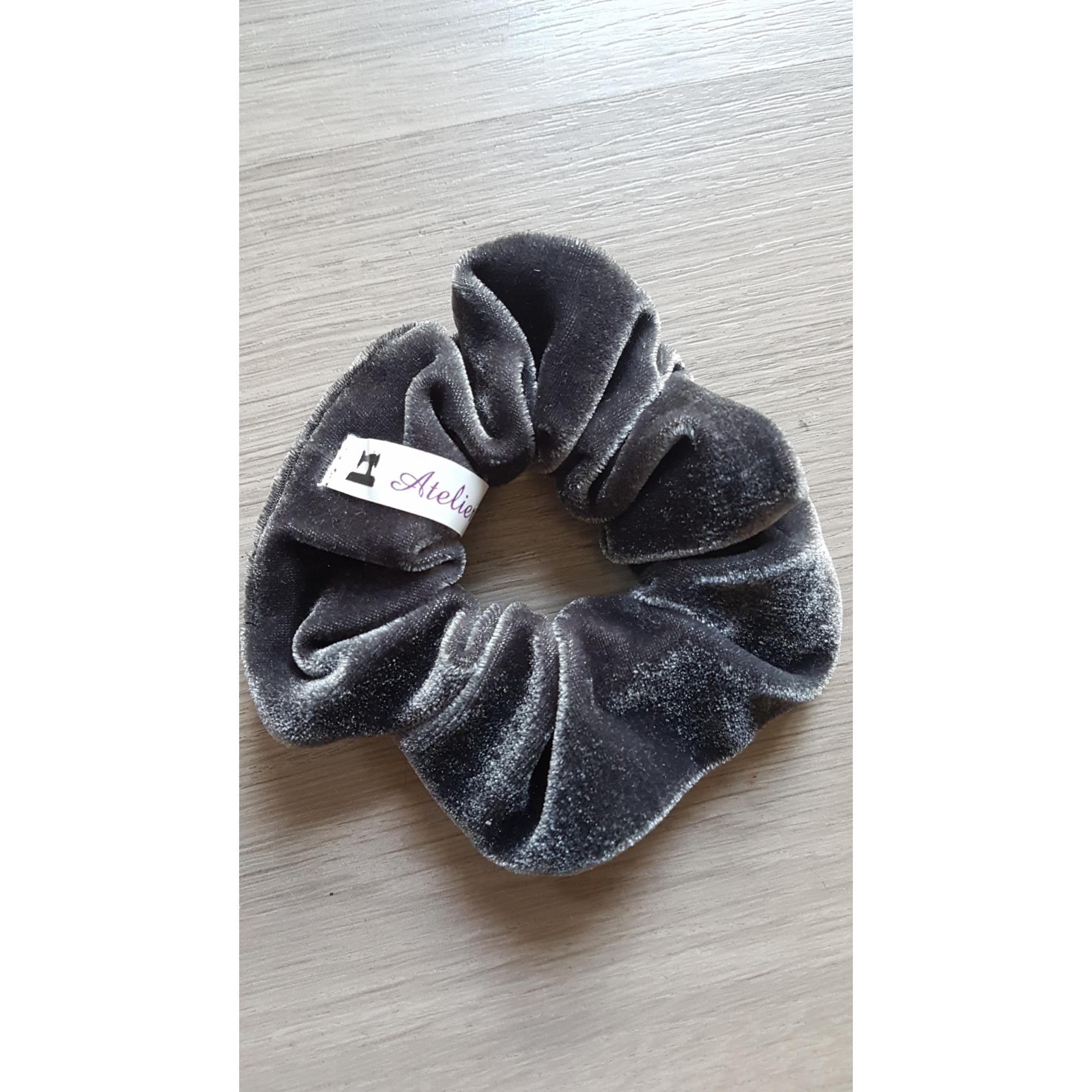 Scrunchie grey velvet