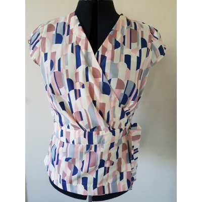 Blouse circle and lines